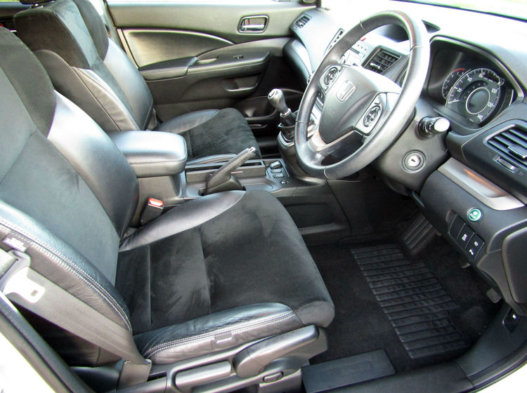 Image of HONDA CR-V 2.2 I-DTEC SR 4X4, used cars available in Bradford Abbas, Sherborne, Dorset
