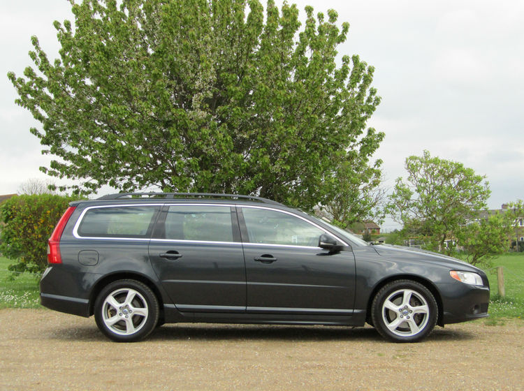 Image of VOLVO V70 2.0 DS4 SE GEARTRONIC AUTOMATIC, used cars available in Bradford Abbas, Sherborne, Dorset