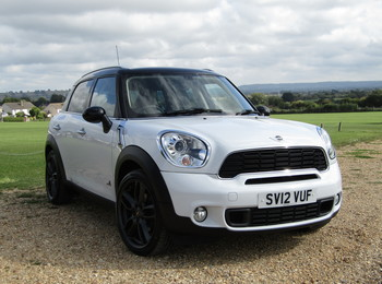 MINI COUNTRYMAN 2.0 COOPER SD ALL4 (CHILI PACK)