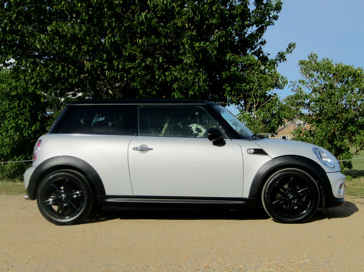 Image of MINI COOPER 1.6 (SPORTS CHILI PACK AND MEDIA PACK), used cars available in Bradford Abbas, Sherborne, Dorset