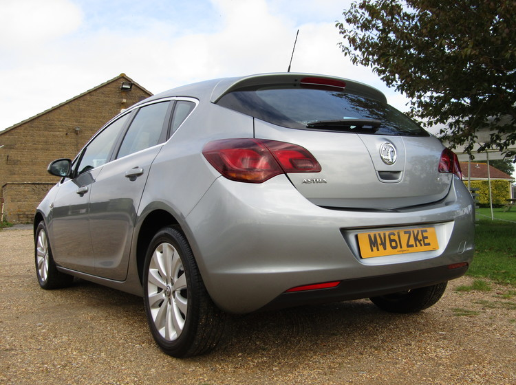 Image of VAUXHALL ASTRA 1.6 ELITE, used cars available in Bradford Abbas, Sherborne, Dorset