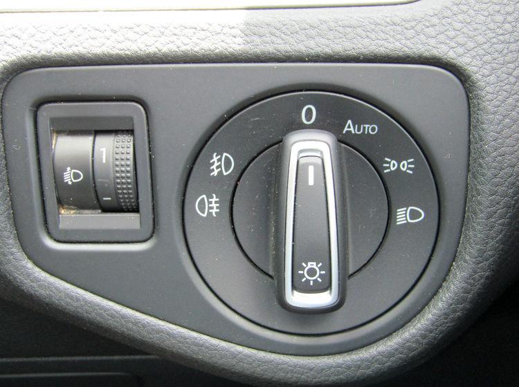 Image of VOLKSWAGEN GOLF 2.0 TDI BLUEMOTION ESTATE, used cars available in Bradford Abbas, Sherborne, Dorset