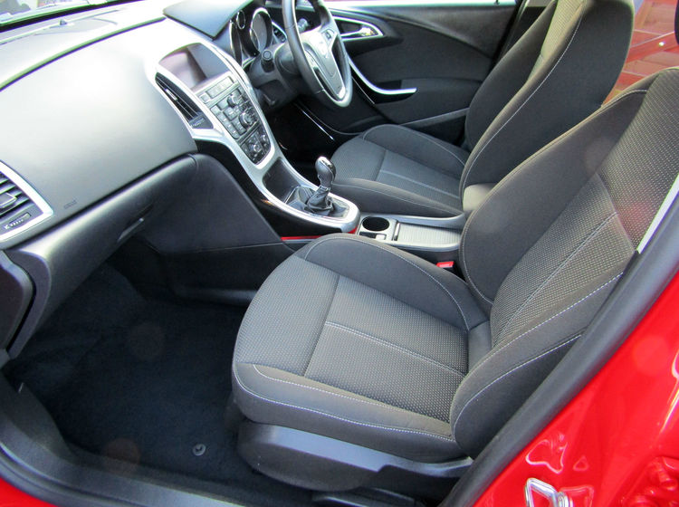 Image of VAUXHALL ASTRA 1.6T 16v SRI (180), used cars available in Bradford Abbas, Sherborne, Dorset