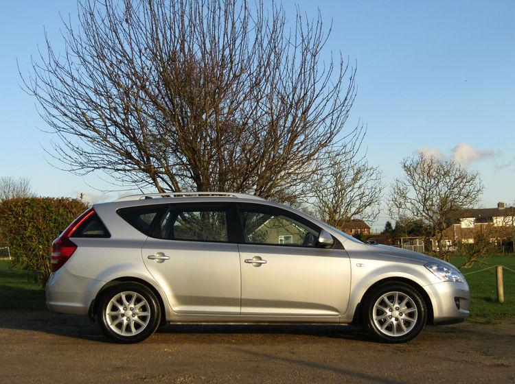 Image of KIA CEED 1.6 CRDI LS AUTOMATIC ESTATE, used cars available in Bradford Abbas, Sherborne, Dorset