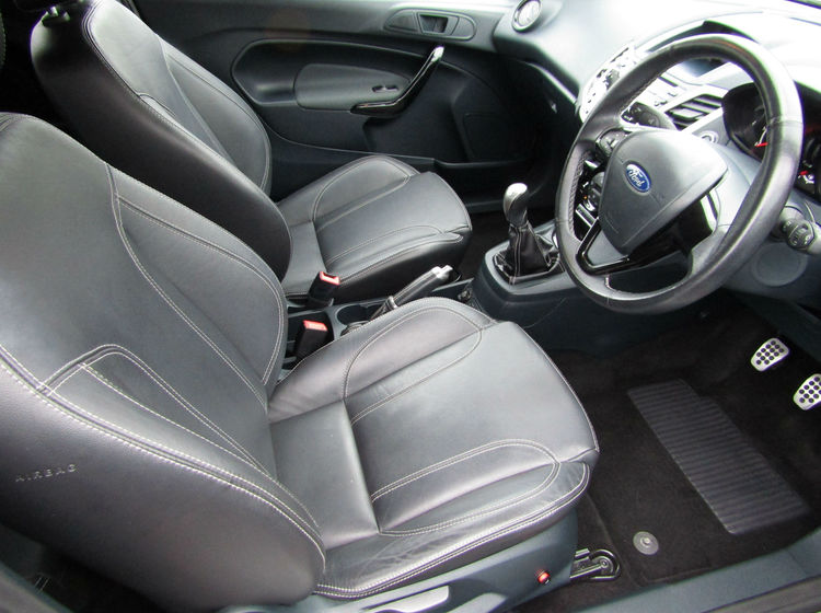 Image of FORD FIESTA 1.6 METAL, used cars available in Bradford Abbas, Sherborne, Dorset